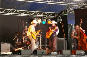 Mud Bull's & Music